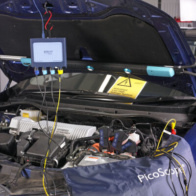 Three Phase Current Measurement in an Electric Vehicle